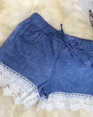 Spodenki zdobione koronką z miękkiego jeansu