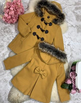 Elegancki Zimowy Płaszczyk z kapturem - musztardowy